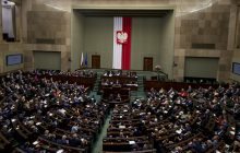 Nowy sondaż poparcia dla partii politycznych. PiS traci, duży skok Nowoczesnej po zmianie lidera!