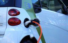 Do 2020 roku ma powstać kilka tysięcy stacji ładowania aut elektrycznych. Są już dostępne polskie rozwiązania umożliwiające rozliczanie takiej usługi