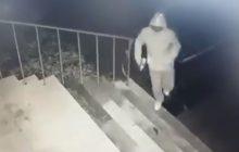 Nieznany sprawca zdewastował drzwi biura poselskiego. Polityk PiS publikuje nagranie.