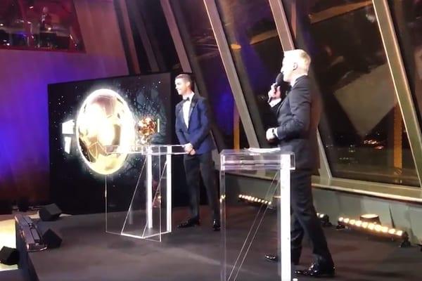 Cristiano Ronaldo wygrywa Złotą Piłkę. Znamy miejsce Roberta Lewandowskiego! [WIDEO]