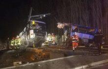 Tragiczny wypadek we Francji. Szkolny autobus został rozerwany przez pociąg. Rośnie liczba ofiar