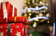Ekspert ujawnia jak sklepy zachęcają do większych zakupów w okresie świątecznym.