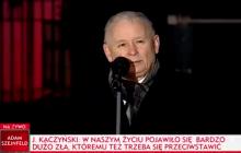 Niewielu zwróciło na to uwagę! Oto, jak Kaczyński powitał Macierewicza na miesięcznicy [WIDEO]