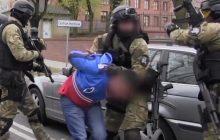 Pozorowali stłuczki, żeby wyłudzić odszkodowania: Policjanci rozbili całą grupę. Zatrzymano 23 osoby [FOTO]