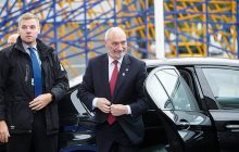 Nieoficjalna informacja od TVP Info: Antoni Macierewicz straci stanowisko, jest już następca