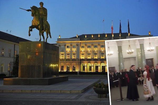 Prezydent Andrzej Duda w sutannie? To zdjecie w ciągu kilku godzin podbiło sieć! [FOTO]