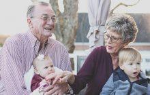 W Polsce coraz częściej w rodzinach jest więcej dziadków niż wnuków. Demograf przeanalizował dane