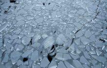 Opolskie: Przechadzka po zamarzniętym basenie zakończyła się tragicznie. Nie żyje nastolatek