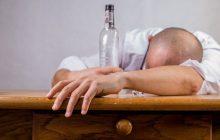 Alkohol dostępny od  21. roku życia? Biskupi przedstawili Narodowy Program Trzeźwości