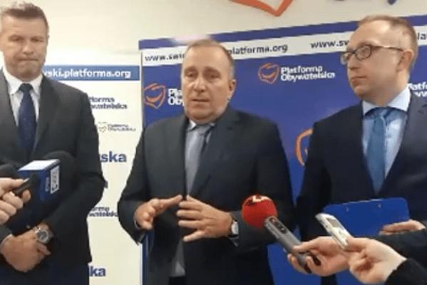 """Grzegorz Schetyna o premiach dla rządu. """"Za co oni dostali te nagrody?"""" [WIDEO]"""