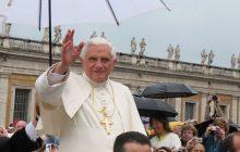 Benedykt XVI poinformował o miejscu swojego pochówku.