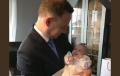 Andrzej Duda uczestniczył w chrzcie… 16. dziecka wielodzietnej rodziny. Internauci zachwyceni pamiątkowym zdjęciem [FOTO]