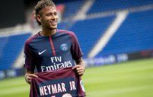 Neymar chciał uczcić pamięć Hawkinga, a wywołał skandal. Wrzucił zdjęcie na wózku inwalidzkim [FOTO]