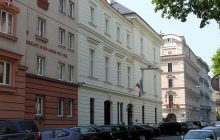 Atak nożownika w Wiedniu! Ranny żołnierz, napastnik nie żyje