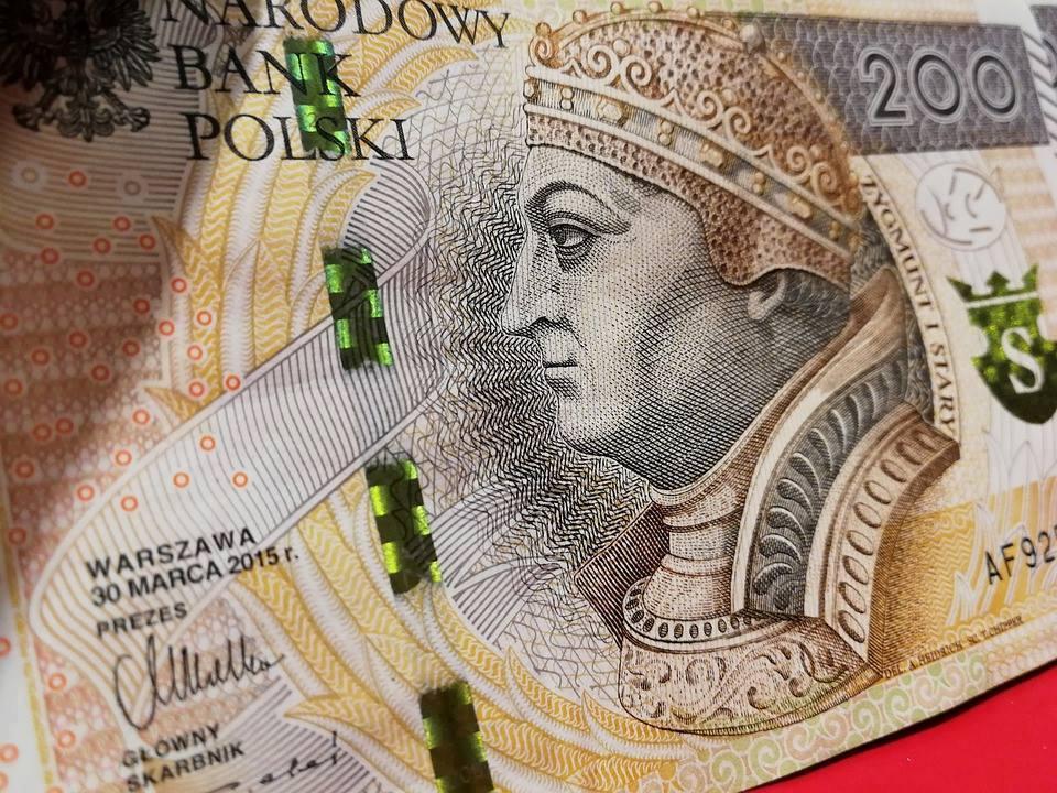 Rząd strzela sobie w kolano pseudo walką ze ściągalnością długów