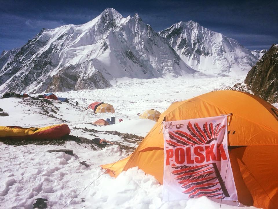 Uczestnicy wyprawy na K2 opuszczają bazę. Przed nimi 100 kilometrów drogi na piechotę [FOTO]