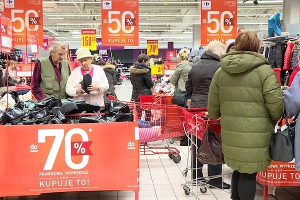 Na Węgrzech zakaz handlu w niedziele okazał się niewypałem. Jednak w Polsce może odnieść sukces