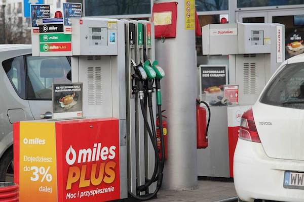 Będą droższe święta ze względu na ceny paliw? Eksperci już znają odpowiedź