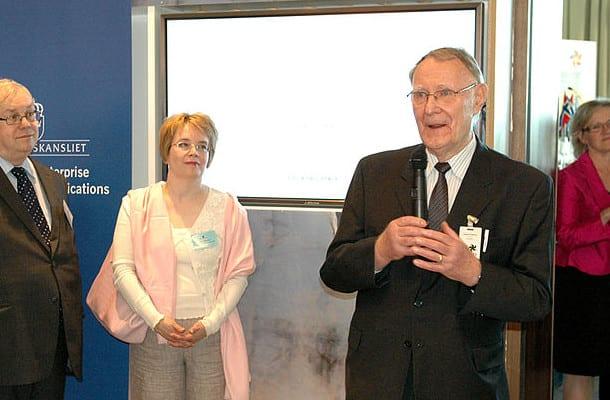Założyciel sieci sklepów IKEA zostawił ogromny majątek. W testamencie połowę rozdał