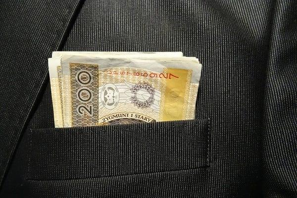 Obiecywali pożyczki w 15 minut. UOKiK nałożył na firmy kary o wysokości 1,65 mln zł