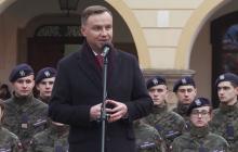 Prezydent Andrzej Duda wcielił się w rolę... fotografa. Zrobił zdjęcie Jakubowi Szymczukowi
