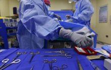 Wrocławscy lekarze pomogli rannemu na służbie policjantowi i przeprowadzili skomplikowany przeszczep. To pierwszy taki zabieg w Europie