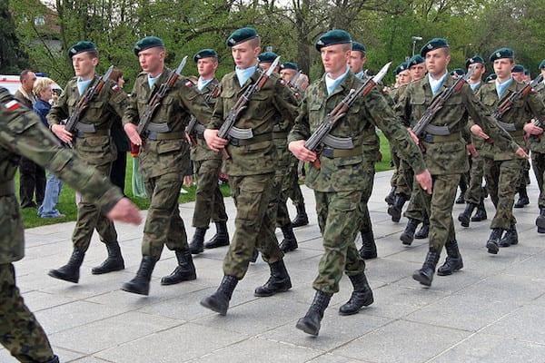 Polscy komandosi mieli otrzymać sprzęt z USA. Dostali... chińskie podróbki!