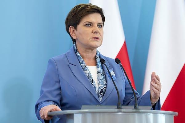 Beata Szydło zapowiada program Mama+. Szykują się kolejne ułatwienia dla rodziców!