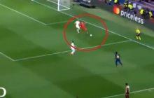 Bramkarz Barcelony postanowił zabawić się w Messiego. Przyprawił kibiców o palpitacje serca [WIDEO]