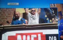 Skandal na demonstracji z udziałem prezydenta Gdańska. Mężczyzna wulgarnie zwyzywał Kaczyńskiego, a tłum... wiwatował [WIDEO]