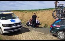 Groźny wypadek na wyścigu Paryż-Roubaix. Zatrzymana akcja serca u jednego z kolarzy [WIDEO]