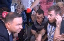 Rodzice osób niepełnosprawnych protestują w Sejmie. Spotkał się z nimi Andrzej Duda