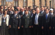 Prezydent Andrzej Duda w drugim szeregu na uroczystościach w Auschwitz? Jakub Szymczuk wyjaśnia, jak to wyglądało