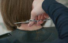 Australia: fryzjer odmówił obcięcia włosów. Został oskarżony o dyskryminację
