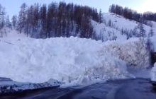 Potężna lawina w Alpach! Na nagraniach widać moment jej zejścia [WIDEO]