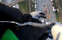 Tak wygląda selfie 90 metrów nad ziemią. Polak wspiął się na stalową konstrukcję i zrobił sobie zdjęcie