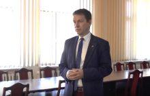 Burmistrz Leszek Tabor wyniósł ze sklepu wszystkie gazety, bo był tam krytyczny dla niego artykuł