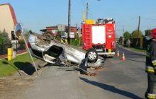 Żory: Samochód dachował na prostej drodze. Kierowca miał... 2 promile [WIDEO]