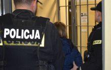 Są zarzuty dla matki i jej partnera za porzucenie chłopca w Katowicach. Nie będzie aresztu