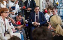Kto finansuje posiłki protestującym niepełnosprawnym? Kancelaria Sejmu odpowiada na artykuł gazety