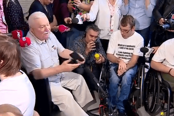 Lech Wałęsa dołączy do protestujących w Sejmie?