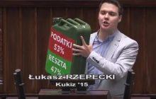 Łukasz Rzepecki z Kukiz'15 wszedł na mównicę z kanistrem. Protestował przeciwko