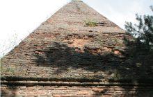 Najstarsza polska piramida stoi w miejscu wczesnośredniowiecznego grodu