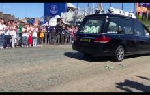 W Liverpoolu odbył się pogrzeb Alfiego Evansa. Chłopca żegnały tłumy [WIDEO]