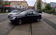 Szczecin: Kierowca autobusu nagrywa kamerą wybryki kierowców. Potem wszystko trafia do sieci [WIDEO]