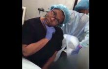 Chirurg plastyczna operując nagrywała teledyski. Dla pacjentki skończyło się fatalnie [WIDEO]