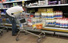 Na mleku zarabiają wszyscy, poza producentem. Sieci handlowe wymuszają niskie ceny?