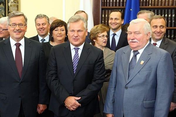 Byli prezydenci i premierzy zwrócili się do KE:
