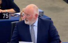 Kuriozalna wpadka Fransa Timmermansa w Parlamencie Europejskiej. Na rozmowy z polskim rządem jedzie... do Moskwy [WIDEO]