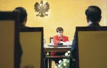 Czym zajmuje się Beata Szydło? Po pytaniu dziennikarza wicepremier miała kłopoty z odpowiedzią [WIDEO]
